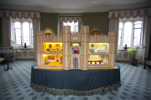 1_Leeds Castle Gingerbread Dolls House