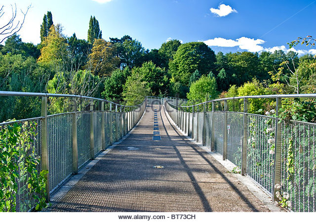 millennium-bridge-whatman-park-alamaydotcom